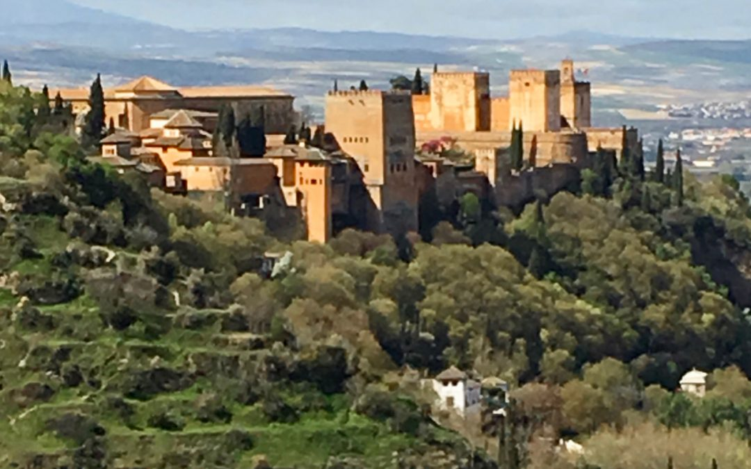 "How to ""visit"" the Alhambra without tickets"